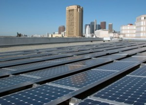 metro la rooftop1 300x217 Cleantech Growth for Energy Efficiency, Smart Grid, Distributed Solar