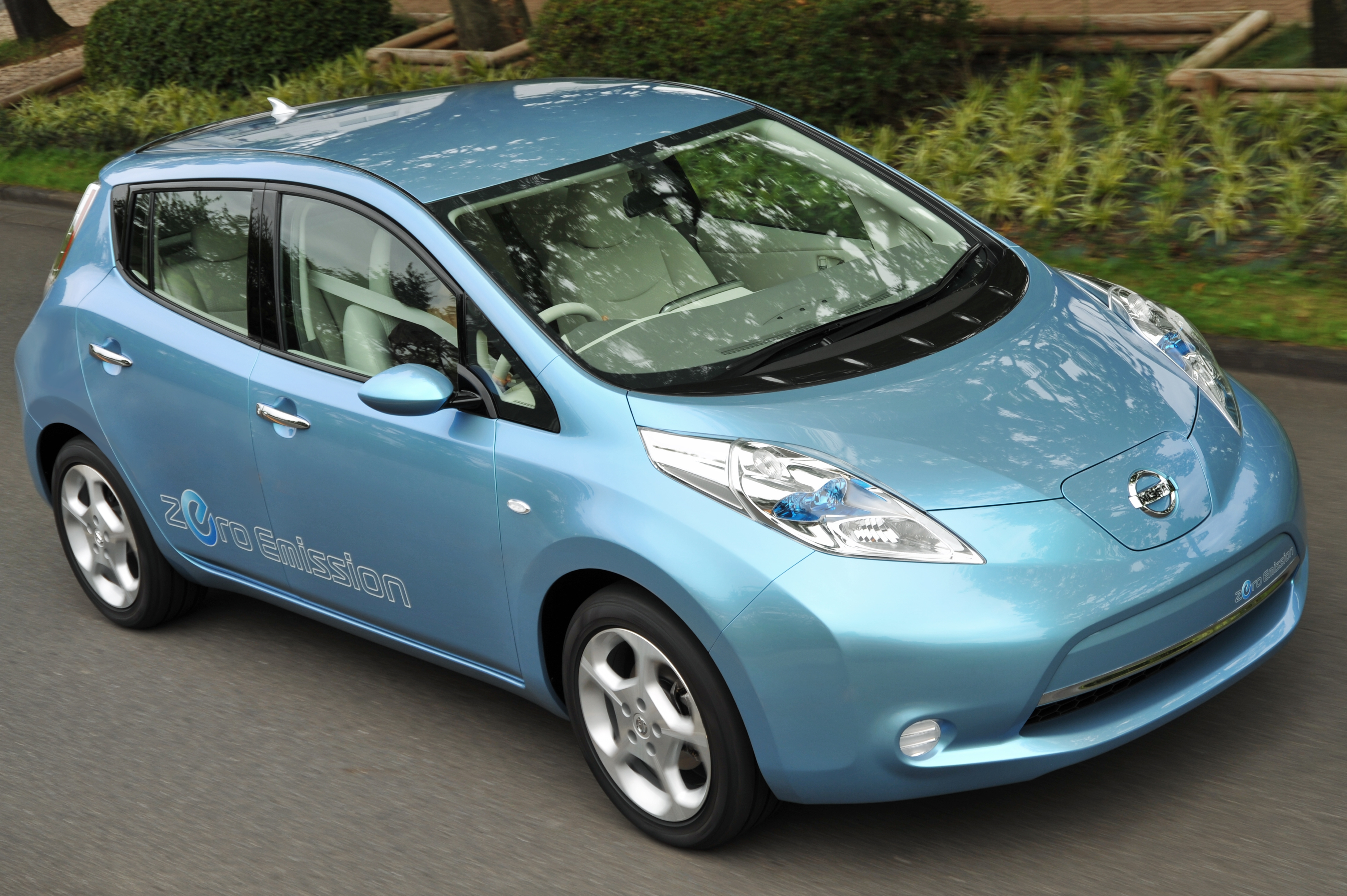 Nissan Leaf Lease >> Nissan LEAF Electric Car at $32,780 including Lithium Battery | Clean Fleet Report