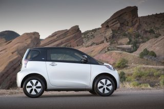 2013 iQ EV Full Side 35k No Learning Curve Required with the Toyota's Smallest Electric Car