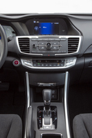 Honda-Accord-Hybrid-MPG-interior