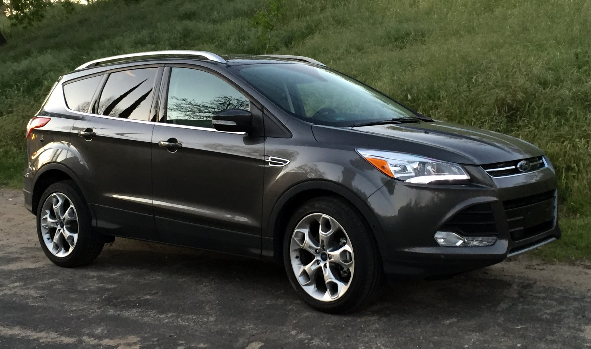 road test 2016 ford escape platinum 4wd clean fleet report. Black Bedroom Furniture Sets. Home Design Ideas