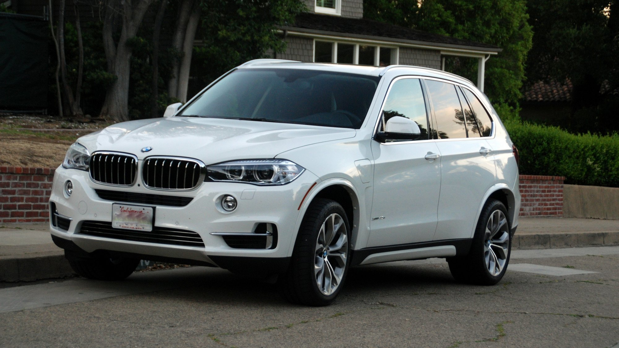 road test 2016 bmw x5 xdrive40e clean fleet report. Black Bedroom Furniture Sets. Home Design Ideas