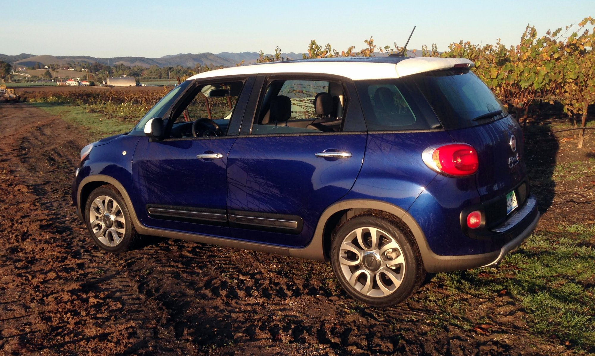 road test 2016 fiat 500l trekking clean fleet report. Black Bedroom Furniture Sets. Home Design Ideas