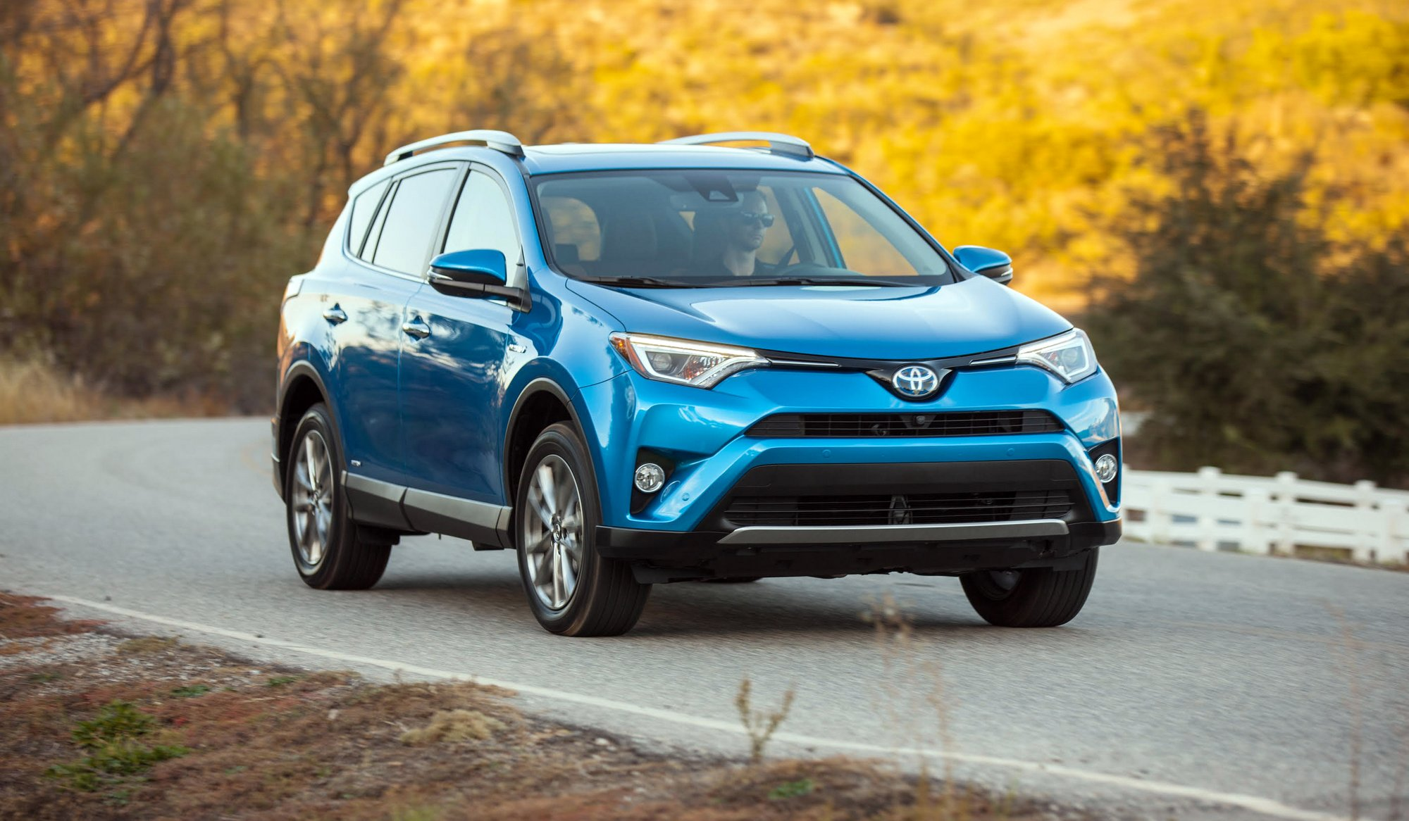 road test 2017 toyota rav4 hybrid xle awd clean fleet report clean fleet report. Black Bedroom Furniture Sets. Home Design Ideas