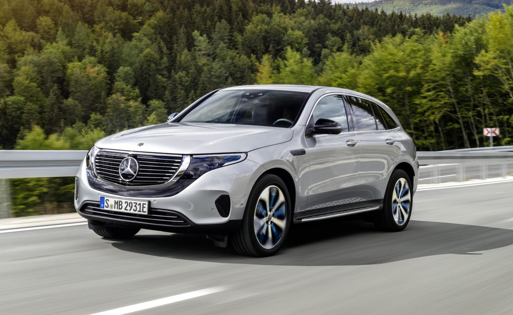 News: 2020 Mercedes-Benz EQC 400 4Matic Electric Crossover ...